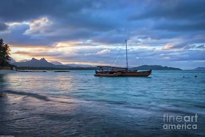 Hawaiin Photograph - Hawaii Blues by Mitch Shindelbower