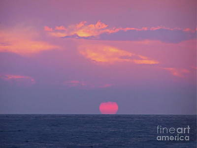 Photograph - Hawaii Fireball by Expressionistart studio Priscilla Batzell