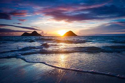 Hawaii Sunrise Art Print by Robert Davis
