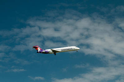 Photograph - Hawaiian Airlines Inbound by E Faithe Lester