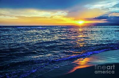 Photograph - Hawaiian Beach Sunset by D Davila