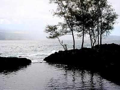 Photograph - Hawaiian Fish Trap by Chuck Snyder