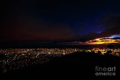 Photograph - Hawaiian Night Tantalus Lookout by Benny Marty