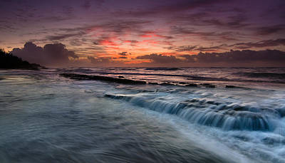 Photograph - Hawaiian Sunrise by Tin Lung Chao