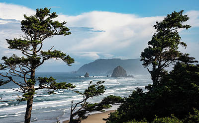 Northwest Landscapes Photograph - Haystack Views by Darren White