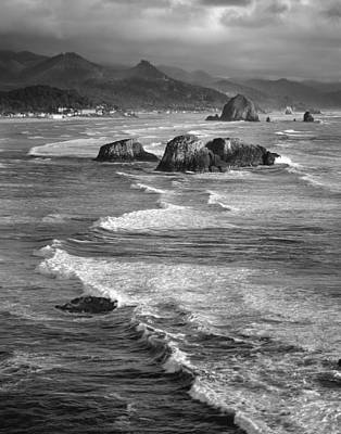 Haystacks And Waves Cannon Beach Art Print by Bob Neiman