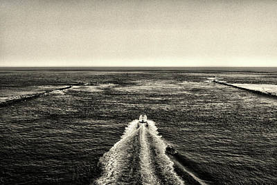 Photograph - Heading Out In Black And White by Bill Swartwout Photography
