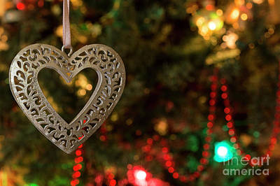 Photograph - Heart 3 - Christmas Greetings Card by Wendy Wilton