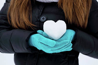 Bath Time - heart of snow by Iuliia Malivanchuk by Iuliia Malivanchuk