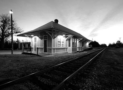 Photograph - Heath Springs South Carolina Depot Bw by Joseph C Hinson Photography