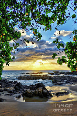 Photograph - Heaven On Maui by Eddie Yerkish