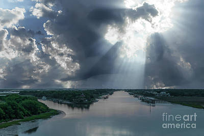 Photograph - Heavenly Rays Of Light by Dale Powell