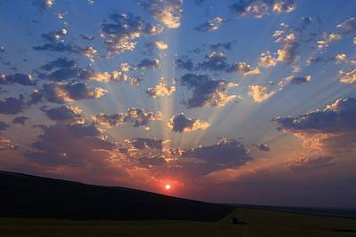 Photograph - Heavenly Sunrise 4 by Lynn Hopwood