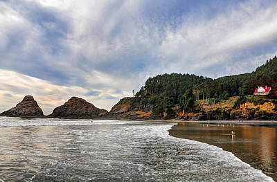 Photograph - Heceta Head Lighthouse Fall 2015 by Lara Ellis