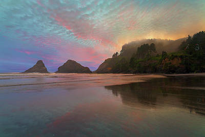 Trail Photograph - Heceta Head Lighthouse Foggy Sunset by David Gn