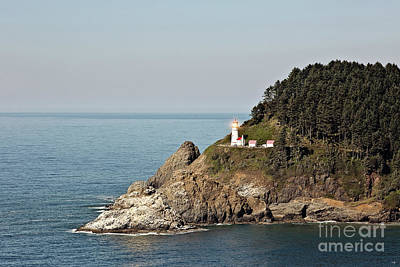 Heceta Head Lighthouse With Bright Light Art Print