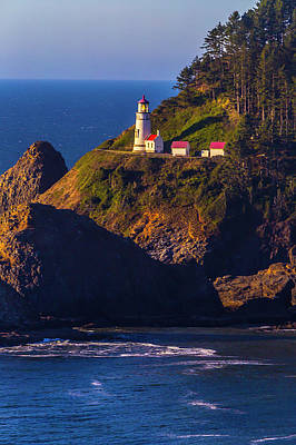 Red Roof Photograph - Heceta Head Oregon Lighthouse by Garry Gay