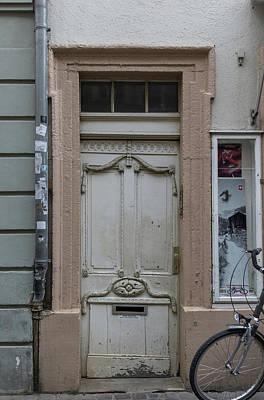 Photograph - Heidelberg Door 14 by Teresa Mucha
