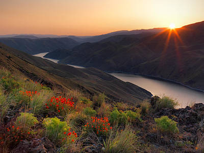 Photograph - Hells Canyon Sunrise by Leland D Howard