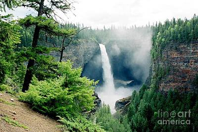 Photograph - Helmcken Falls by Frank Townsley