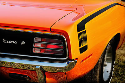Plymouth Cuda Photograph - Hemi Cuda by Thomas Schoeller