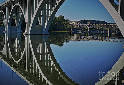 Photograph - Henley Street Bridge by Douglas Stucky