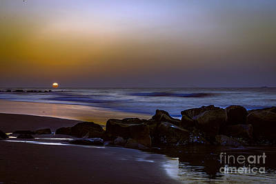 Photograph - Here Comes The Sun by Elvis Vaughn