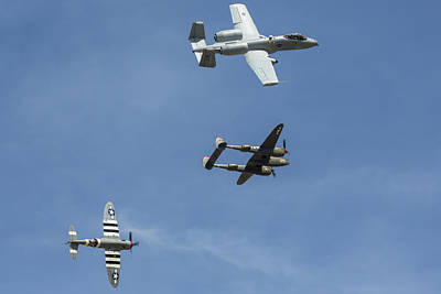 Photograph - Heritage Flight Break by John Daly