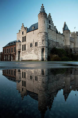 Het Steen Castle And Reflection Art Print