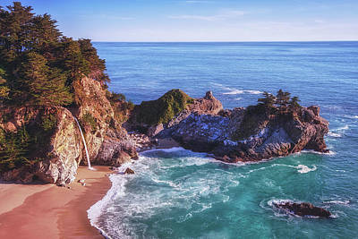 Julia Pfeiffer State Park Photograph - Hide Away by Aron Kearney
