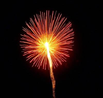 Photograph - Hilliard Ohio Firework 1  by Beth Akerman