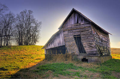 Photograph - Hillix Barn by Don Wolf