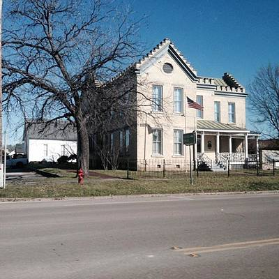 Elvis Photograph - Hillsboro, Texas. Elvis Stayed Here by Gin Young
