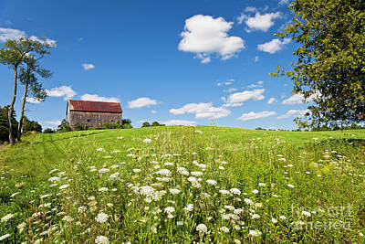 Photograph - Hilltop Barn by Alan L Graham