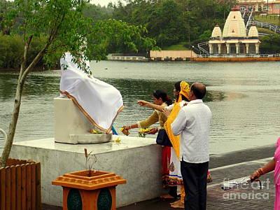 Photograph - Hindu Offering by John Potts