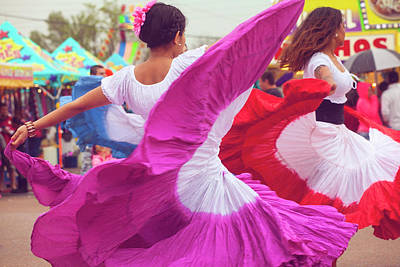 Photograph - Hispanic Dancers by Toni Hopper