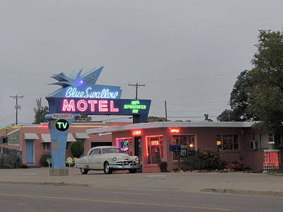 Photograph - Historic Blue Swallow Motel by Gordon Beck
