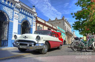 Becky Photograph - Historic Camaguey Cuba Prints The Cars by Wayne Moran
