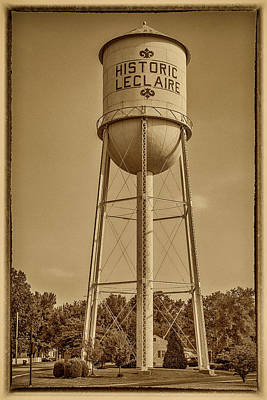 Photograph - Historic Leclaire Illinois Water Tower 7r2_dsc0120_07192017 by Greg Kluempers