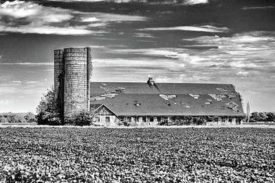Photograph - Historic Townsend Barn Lewes In Black And White by Bill Swartwout Photography