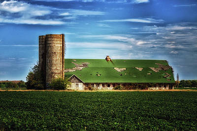 Photograph - Historic Townsend Barn On Kings Highway In Lewes by Bill Swartwout