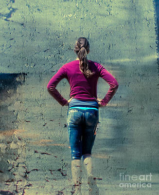 Running Digital Art - Running The Wall  by Steven  Digman