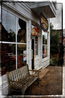 Photograph - Hob Knob Corner Restaurant by Scott Kingery