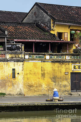 Photograph - Hoi An Tan Ky Wall Hawker 01 by Rick Piper Photography