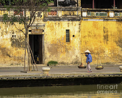 Photograph - Hoi An Tan Ky Wall Hawker 02 by Rick Piper Photography