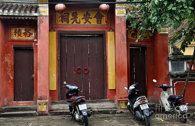 Photograph - Hoi An Temple by Andrew Dinh
