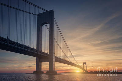 Staten Photograph - Hold Back The Night by Evelina Kremsdorf