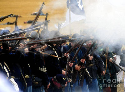 Holding The Line At Gettysburg Art Print by David Lee Thompson