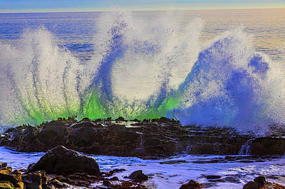 Photograph - Hole In The Wave by Garry Gay