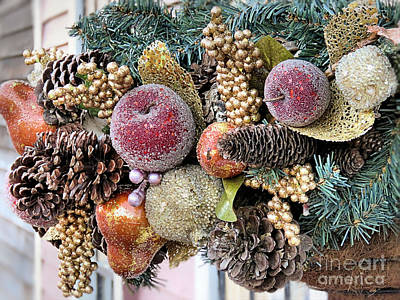 Photograph - Holiday Basket by Janice Drew